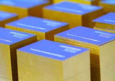Visitekaarten met kleur op snede